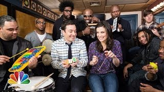 "getlinkyoutube.com-Jimmy Fallon, Idina Menzel & The Roots Sing ""Let It Go"" from ""Frozen"" (w/ Classroom Instruments)"