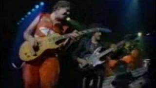 getlinkyoutube.com-Gary Moore with Phil Lynott - Parisienne Walkways (live)