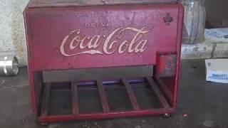 getlinkyoutube.com-Ricks Restorations 1934 Coca Cola Salesman Sampler