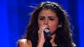 """getlinkyoutube.com-Selena Gomez Crying For Justin Bieber While Singing """"Love Will Remember"""" - Stars Dance Tour"""