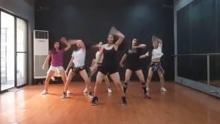 getlinkyoutube.com-Shaky Shaky (SEXBOMB GIRLS)