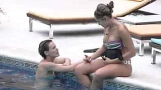 getlinkyoutube.com-Natália e Diana Conversam Na Piscina