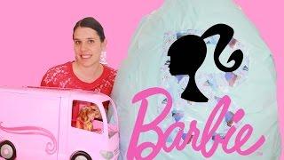 getlinkyoutube.com-Barbie GIANT SURPRISE Egg Disney Princess Dolls Barbie Playsets Motorhome Largest Kinder Egg Video