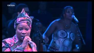 getlinkyoutube.com-''Homenagem a Cesaria Evora'' no Circo de Inverno de Paris  Festival d'Ile de France 2012