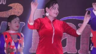 getlinkyoutube.com-Dance on Stage in a Punjabi Marriage -1