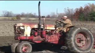 getlinkyoutube.com-Antique Tractor Plow Day - Fly/In Cruise/In