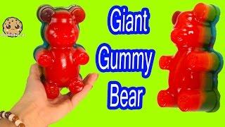 getlinkyoutube.com-GIANT RAINBOW GUMMI BEAR Gummy Factory Create Gummi Bears Sweet N Sour Candy Kit Unboxing Video