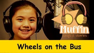 getlinkyoutube.com-Wheels On The Bus | Family Sing Along - Muffin Songs