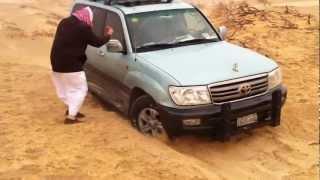 getlinkyoutube.com-محاولة إخراج السيارة من الرمال-رحال الخبرStitches wheel in sand