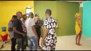 Diamond amkiss hamisa LIVE kwenye Maandalizi ya video ya wimbo wa salome