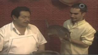 getlinkyoutube.com-Armadillo en Salsa de Jumiles, La Ruta del Sabor, Mexico DF