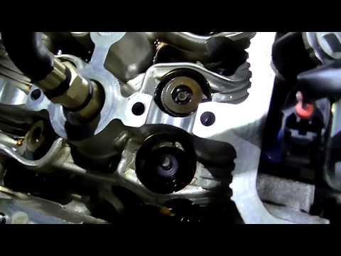 Двигатель toyota 1ZZ-FE. Нюансы при замене маслосъемных колпачков.