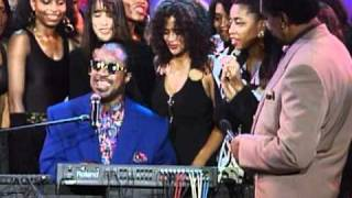 getlinkyoutube.com-RARE PREFORMANCE OF STEVIE WONDER ON SOUL TRAIN