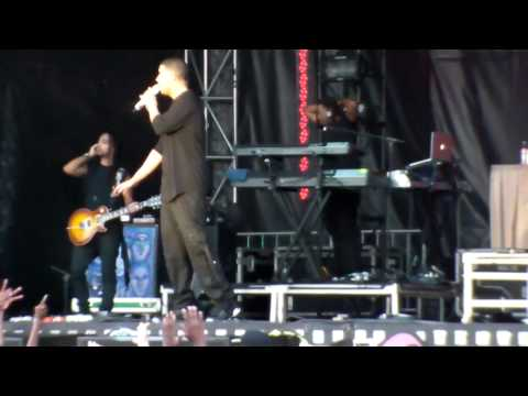 Drake - Lose My Mind (Jeezy Cover) &amp; Going In LIVE at Bluesfest (Ottawa Canada)