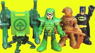 getlinkyoutube.com-Imaginext Green Arrow saves Batman Gotham city police from scarecrow toys story playset