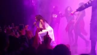getlinkyoutube.com-Tinashe - Watch Me Work (Live)