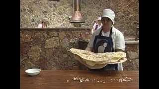 getlinkyoutube.com-Lavash, the preparation, meaning and appearance of traditional Armenian bread