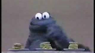 getlinkyoutube.com-Classic Sesame Street- Which cookie shape tastes best?