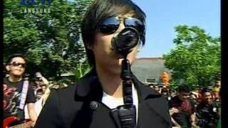 getlinkyoutube.com-The Titans - Harus Apa Denganmu Live Performed di Dahsyat (17/06) Courtesy RCTI