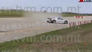 getlinkyoutube.com-millionaire Paul Bailey loses control of Porsche   Malta supercar rally crash