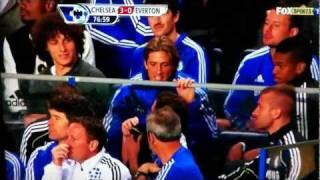getlinkyoutube.com-Torres, David Luiz Having a joke with Mata