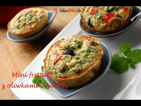 Mini frittaty z oliwkami i rukolą