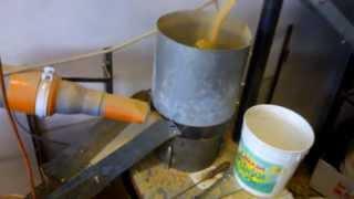 getlinkyoutube.com-Macchina da pellet artigianale