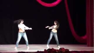 getlinkyoutube.com-Ranya and Daniela Zaghareet - Shaabi Bellydance