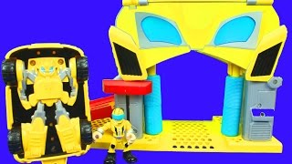 getlinkyoutube.com-Play Skool Heroes Transformers Rescue Bots Unboxing Bumblebee Rescue Garage Chase the Police Bot