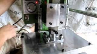 getlinkyoutube.com-Mesin Embos Manual Tuas / Lever Stamping Machine area embos 39 x 29 cm