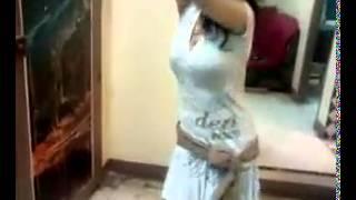 getlinkyoutube.com-Kuwaiti girl dance