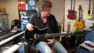Jakko Jakszyk with the VOX Series 55 Guitar