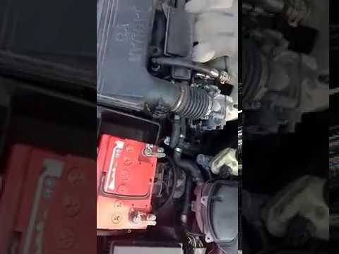 Расположение впускного коллектора у Jaguar XE