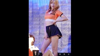 getlinkyoutube.com-[직캠/Fancam]151001 군산시민의 날 AOA 유나 짧은치마(Mini Skirt)