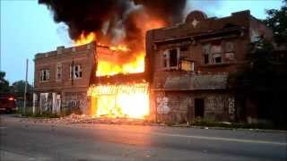 getlinkyoutube.com-Detroit FD Box Alarm - Chene & Palmer