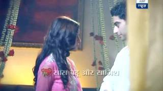 getlinkyoutube.com-Zain and Aalia get wedding gift in Colors' 'Beintehaan'