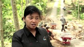 getlinkyoutube.com-Video Inovator PNPM Mandiri BLITAR : Membangun Jalan Mandiri