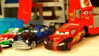 getlinkyoutube.com-Тачки Меняют Цвет в Воде ! Disney Pixar Cars Color Changers - Игрушки Машинки из Мультика Тачки 2