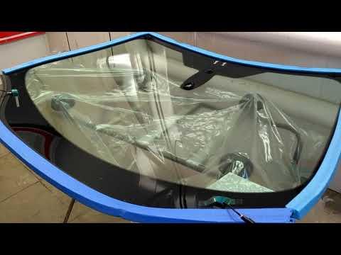Лобовое стекло для Ford Focus 3 с электрообогревом и датчиком дождя производителя AGC. Обзор.