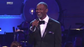 getlinkyoutube.com-Brian McKnight performs »For the First Time« in Vienna