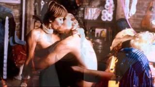 getlinkyoutube.com-Luz Casal - Un año de amor (film tacones lejanos)