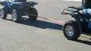 getlinkyoutube.com-Yamaha Grizzly 700 vs. Can-Am Outlander 500 xt