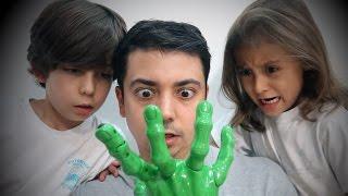 getlinkyoutube.com-تحدي اليد المخيفة!