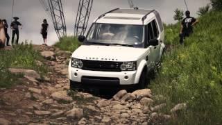 getlinkyoutube.com-Jeep Wrangler vs Land Rover LR4