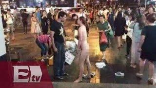 getlinkyoutube.com-Mientras pelea con su novio, ¡se quita la ropa!... TODITA  / Titulares de la tarde