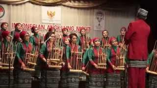 getlinkyoutube.com-Indonesian Angklung Night: Loy Krathong, Tokecang & Rasa Sayange