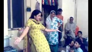 pakistani home girl nice dance 2013