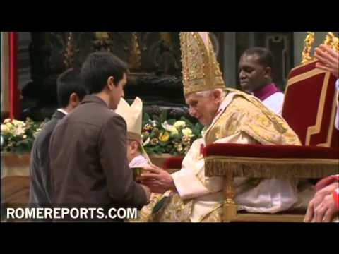 Benedict XVI celebrates the Epiphany in St  Peter's Basilica
