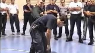 getlinkyoutube.com-Curso Defensa policial Tacticas y tecnicas Policiales