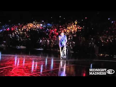 "Chris Brown - ""Cinderella"" Live at Midnight Madness UK"